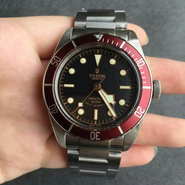 Black Dial Tudor 79220R Replica