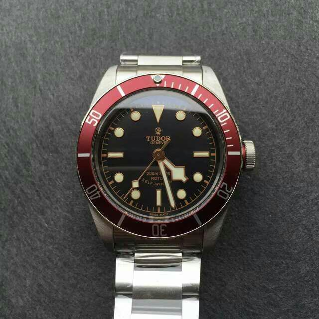 Red Bezel Tudor 79220R replica